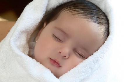 حکم بچه متولد از منی مخلوط شده از چند مرد