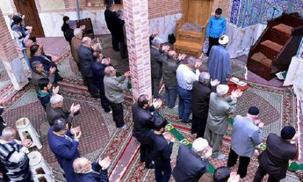 اقتدا در طبقات مختلف و صف های طولانی نماز جماعت