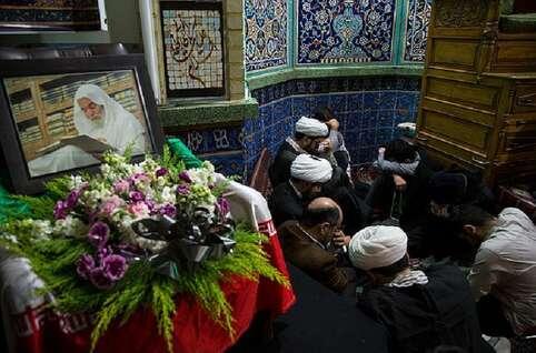 مجلس سوگواری در مسجد