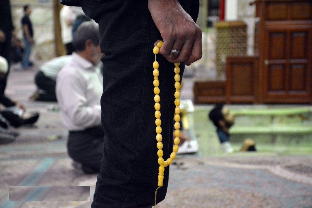 احکام عبادت در مسجد