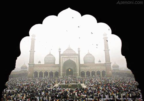 آیا باید در هر شهر یک نماز جمعه برگزار شود؟